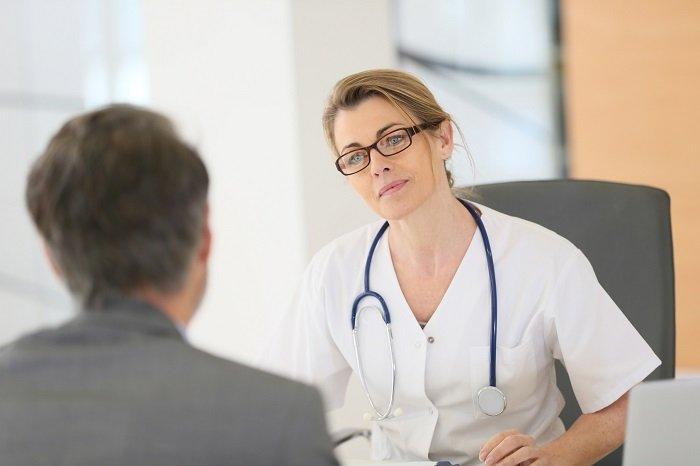 rozmowa lekarza z pacjentem