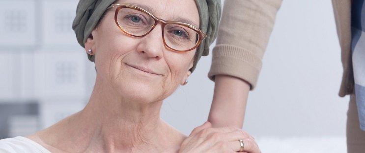 kobieta z rakiem