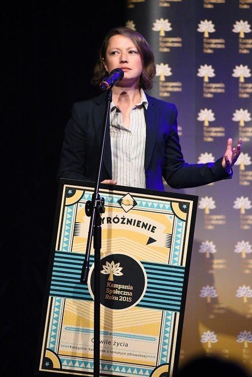 agata polińska na gali rozdania nagród kampania społeczna roku 2015