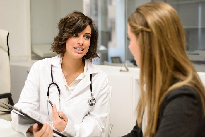 rozmowa lekarza z pacjentką