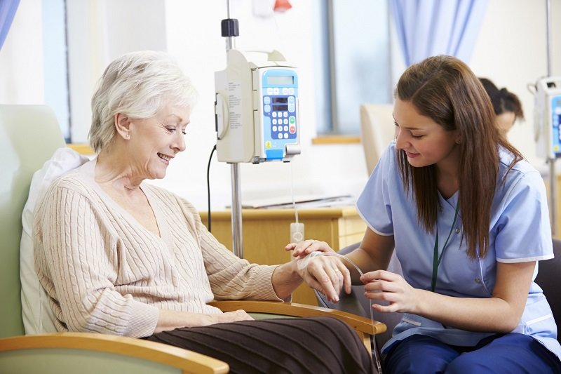 pacjentka i pielęgniarka